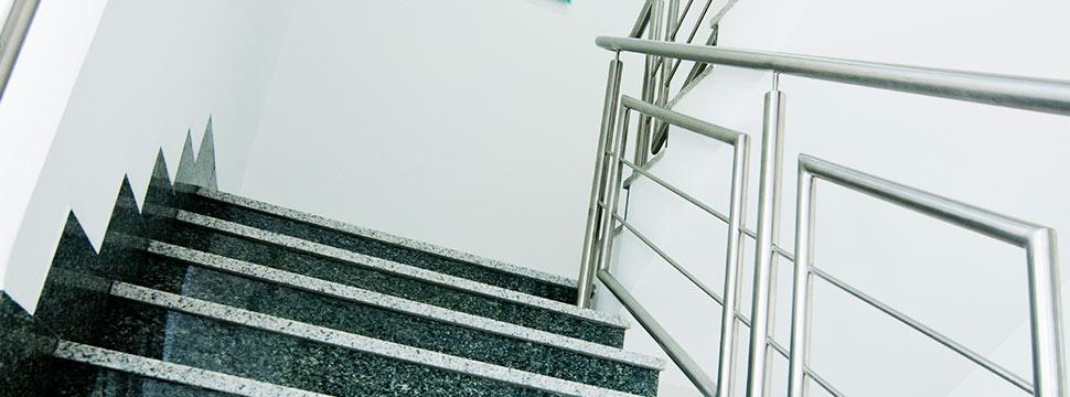 stålrekkverk trapp